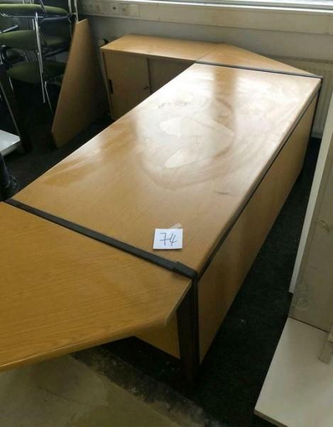 Schreibtisch groß über Eck und Schrank - gebraucht